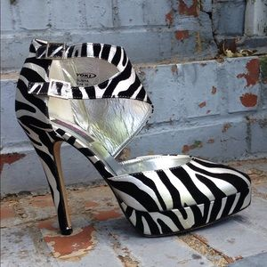 Yoki Shoes - Yoki Zebra Print Platform Heels NIB sz 10